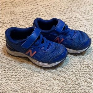 Preloved boys New Balance sneakers size 11 wide